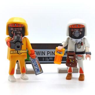 Marty et Doc en combinaison anti-radiation